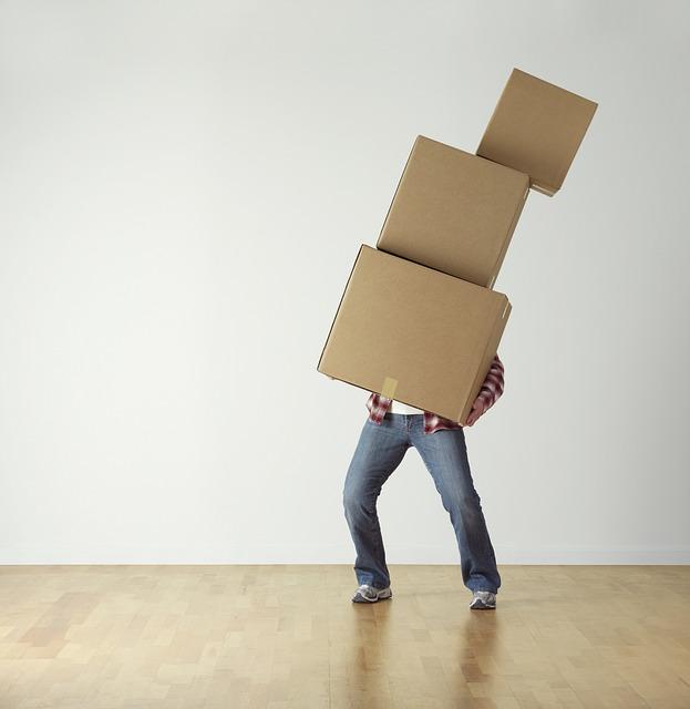 重い物を運ぶ